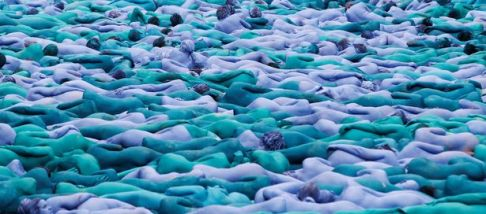 Nude-models-pose-for-a-photograph-by-US-artist-Spencer-Tunick-for-a-project-titled-Sea-of-Hull
